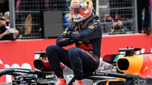 Max Verstappen célèbre sa victoire au Grand Prix de France, le 20 juin 2021.