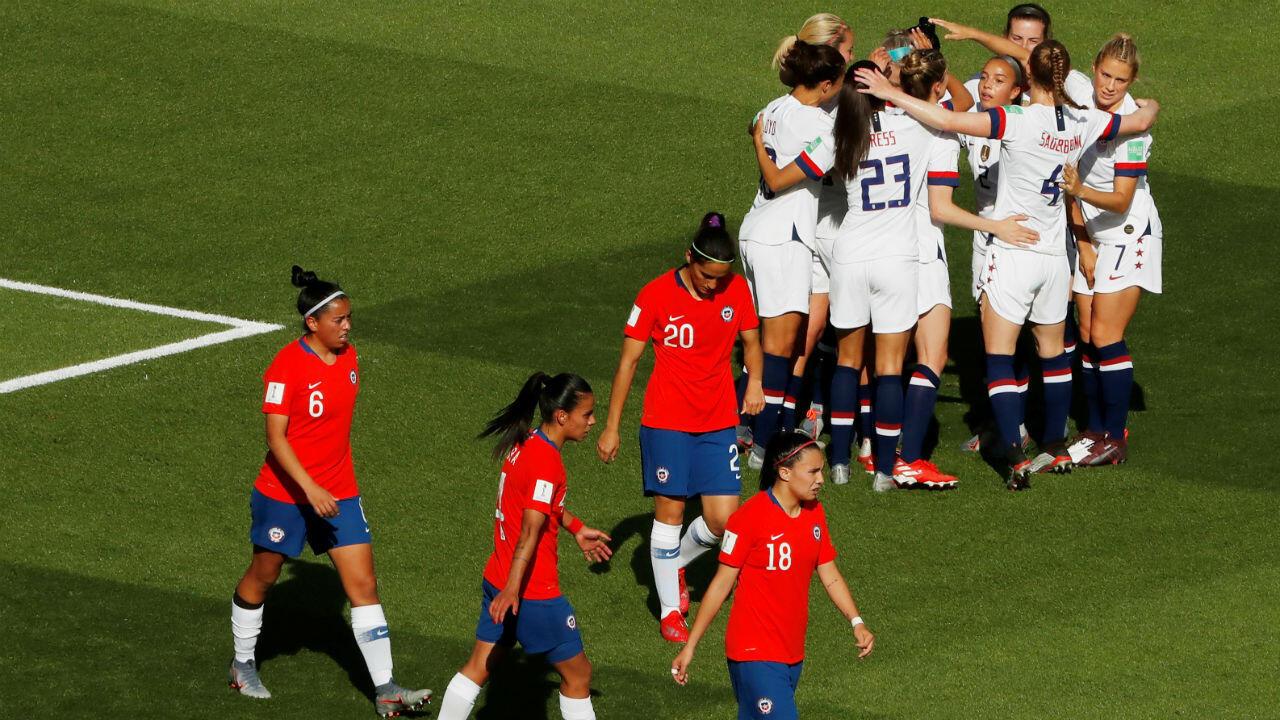 Las jugadoras de Estados Unidos celebran su segundo gol ante Chile en un partido disputado en París, Francia. 16 de junio de 2019.