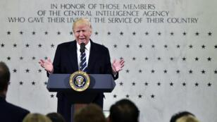 Donald Trump s'adresse aux employés de la CIA, au siège de l'agence à Langley, en Virgine, le 21 janvier 2017.