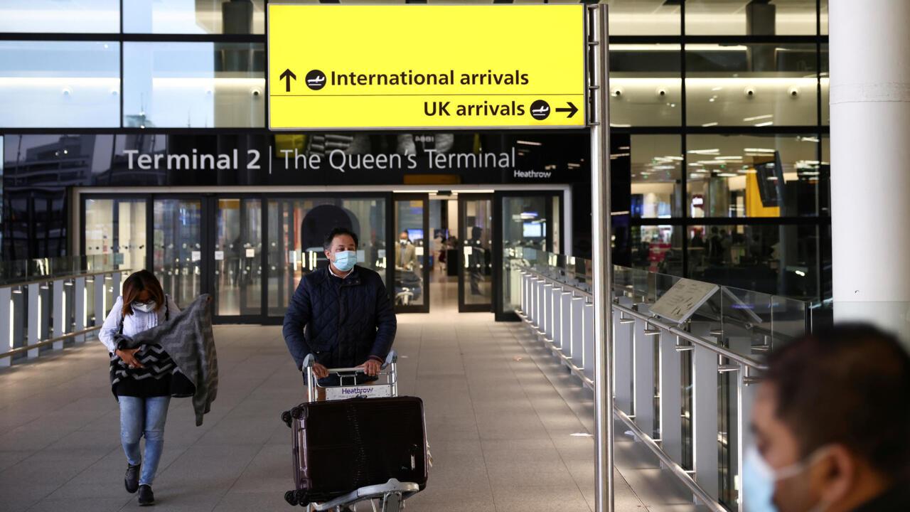 Covid-19 : Londres dispense de quarantaine les voyageurs vaccinés de l'UE, mais pas de France