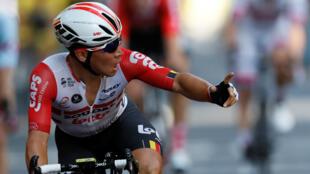 El ciclista australiano sorprendió a sus rivales sobre los metros finales para ganar la etapa 11 y estrenarse en el Tour 2019