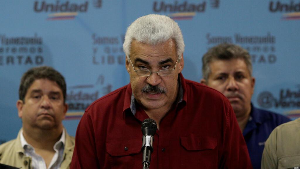 Ángel Oropeza, el portavoz de la Mesa de la Unidad Democrática, precisó que la oposición venezolana no retomará los diálogos con el Gobierno si las elecciones regionales del 15 de octubre no son auditadas.