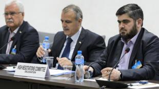 Membres du HCN réunis aux pourparlers de paix à Genève, le 18 avril 2016.