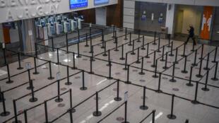 Zona de arribos del aeropuerto internacional de Carrasco, que sirve a Montevideo, el 2 de julio de 2020