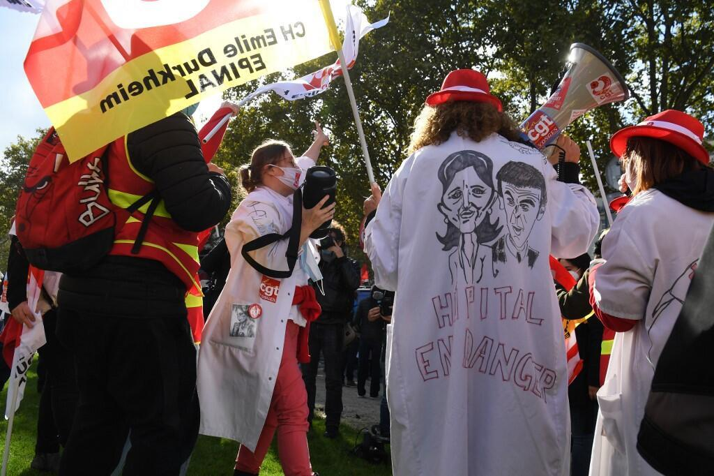 Health workers protest on the Place Vauban in Paris on October 15, 2020.
