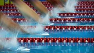صورة من تصفيات سباق السباحة 400 م متنوعة في دورة الألعاب الآسيوية، جاكرتا في 22 آب/أغسطس 2018