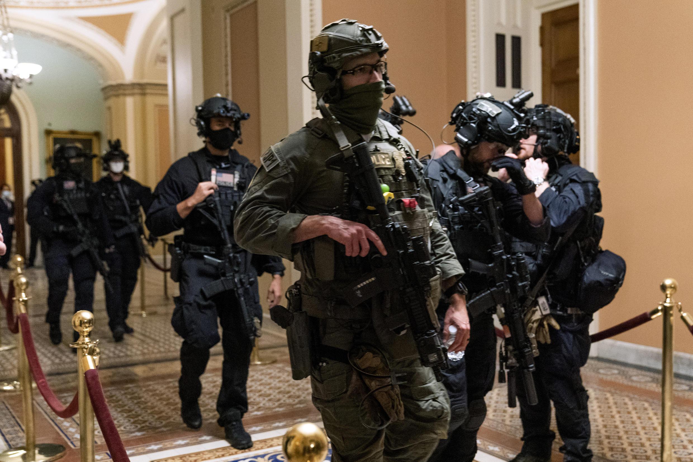 Des forces d'intervention d'élite sont intervenues pour sécuriser le Capitole.