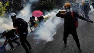 La huelga general del lunes estuvo acompañada de protestas de manifestantes que se enfrentaron a la Policía. 5 de agosto de 2019.
