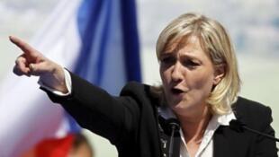 """زعيمة حزب """"الجبهة الوطنية"""" الفرنسي اليميني المتطرف مارين لوبان"""