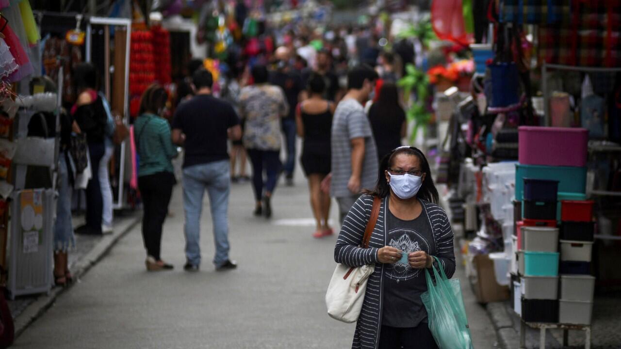 A pesar del aumento de los contagios, la ciudad de Río de Janeiro, abrió sus comercios al público. En Río de Janeiro, Brasil, el 29 de junio de 2020.