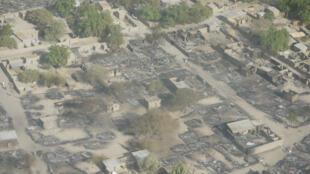 Vue du ciel de la ville tchadienne Ngouboua après l'attaque menée par les islamistes nigérians de Boko Haram