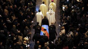 Une cérémonie d'hommage funéraire avait eu lieu en Belgique pour Étienne Tshisekedi le 9 février 2017 mais un an après son corps n'a toujours pas été rapatrié en RD Congo.