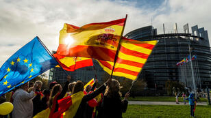 Une manifestation contre l'indépendance de la Catalogne devant le parlement européen à Strasbourg le 24 octobre.