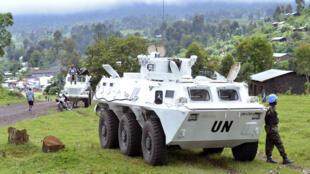 Des soldats sud-africains et tanzaniens patrouillent en novembre 2013 à Kibumba, dans le Nord-Kivu.