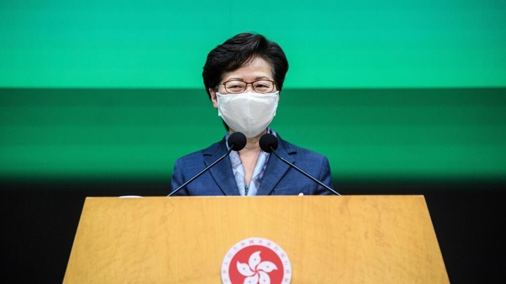"""Hong Kong : Carrie Lam s'oppose à un retour du """"chaos"""" un an après les premières manifestations"""