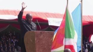 Au Burundi, Evariste Ndayishimiye prête serment