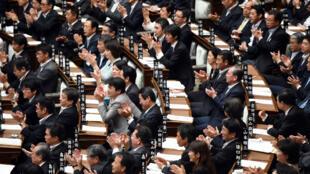 Des députés du parti au pouvoir au Parlement le 18 septembre.