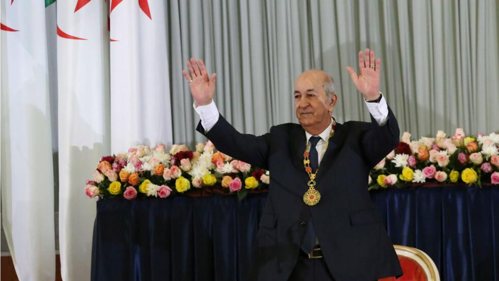 El recién elegido presidente argelino, Abdelmadjid Tebboune, hace gestos durante una ceremonia de juramentación en Argel, Argelia, el 19 de diciembre de 2019.