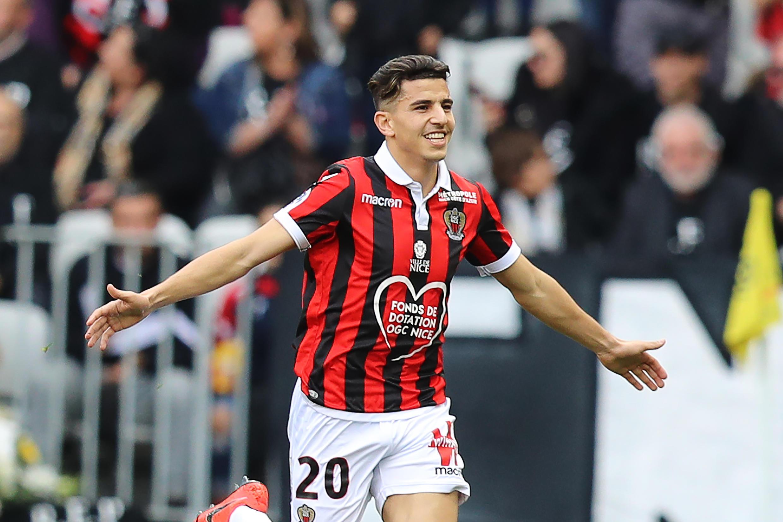 اللاعب الجزائري يوسف عطال