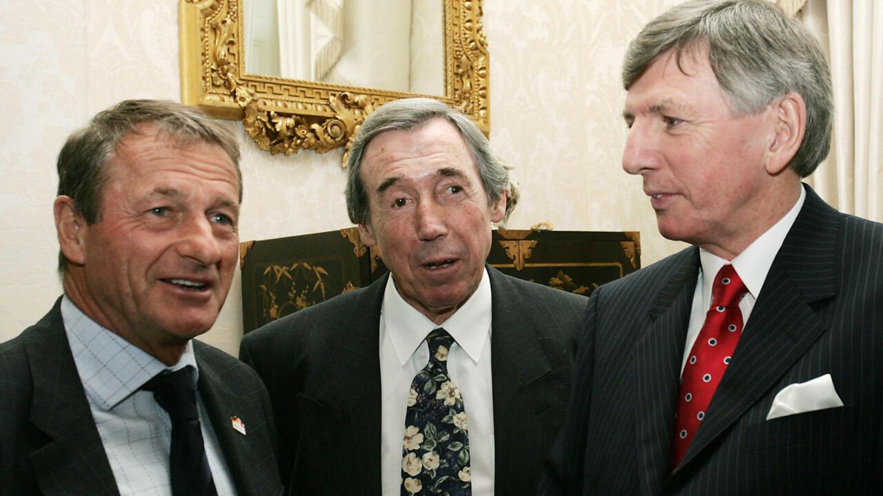 England World Cup winner Roger Hunt dies aged 83 - France 24