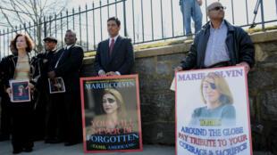 Des membres de la communauté Tamoul aux États-Unis rendent hommage à Marie Colvin le 12 mars 2012. La journaliste a beaucoup travaillé sur cette communauté au Sri Lanka.