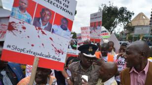 Des manifestants dans les rues de Nairobi, le 4 juillet 2016, pour réclamer justice après la mort de Willie Kimani, Josephat Mwenda et Joseph Muiruri.