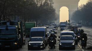 La pollution atmosphérique reste la première cause environnementale de décès prématurés en Europe.