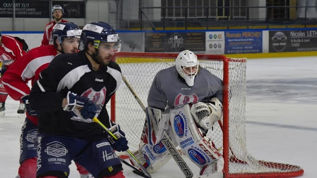 Goalie Charlotte Cagigos skates a rare path in men's pro hockey in France
