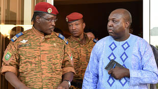 Le lieutenant-colonel Yacouba Isaac Zida, à la tête de la transition au Burkina Faso, s'est entretenu avec le chef de l'opposition  Zephirin Diabre.