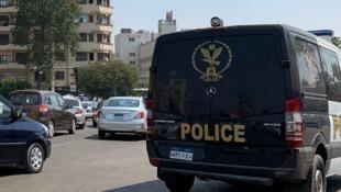 دورية للشرطة قرب ميدان التحرير في 21 سبتمبر/ أيلول 2019.