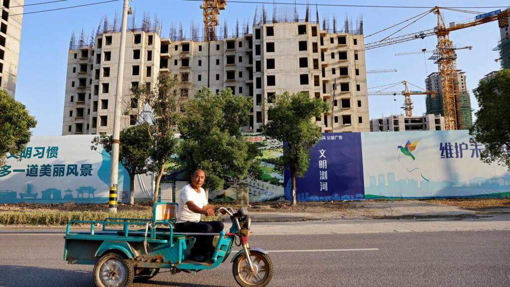 China's Evergrande bondholders in limbo as debt deadline passes
