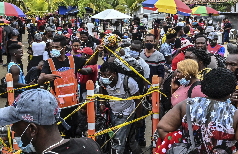 Unos 19.000 migrantes, la mayoría haitianos, varados cerca de frontera  entre Colombia y Panamá - France 24