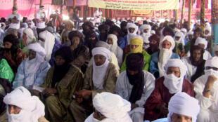 Malgré l'absence du gouvernement, la Coordination des mouvements de l'Azawad (CMA, ex-rébellion) a maintenu la rencontre.