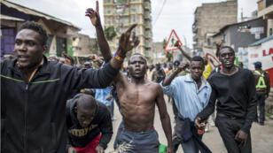 Des partisans de l'opposant Raila Odinga, mercredi 9 août à Nairobi.