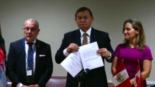 Los cancilleres de Colombia, Argentina, Chile, Paraguay, Perú y Canadá presentaron en la sede de las Naciones Unidas una petición para investigar crímenes de lesa humanidad en Venezuela, en Nueva York, EE. UU., el 26 de septiembre de 2018.