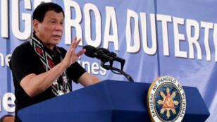 الرئيس الفلبيني رودريغو دوتيرتي خلال مؤتمر صحفي في 4 شباط/فبراير 2017