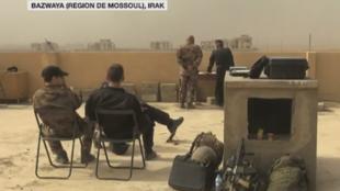 À mesure de leur avancée, les brigades d'élite de l'armée irakienne ont installé des centres d'opération improvisés.