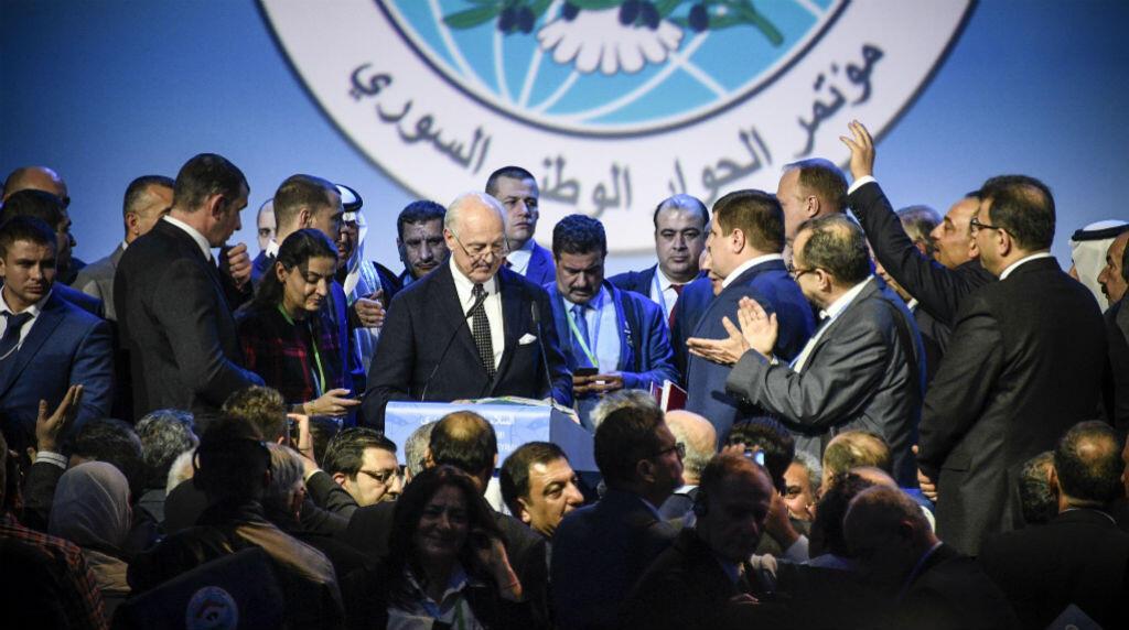 Un congrès s'est tenu mardi 30 janvier à Sotchi, en Russie, pour tenter de trouver une solution de paix en Syrie, en guerre depuis 2011.