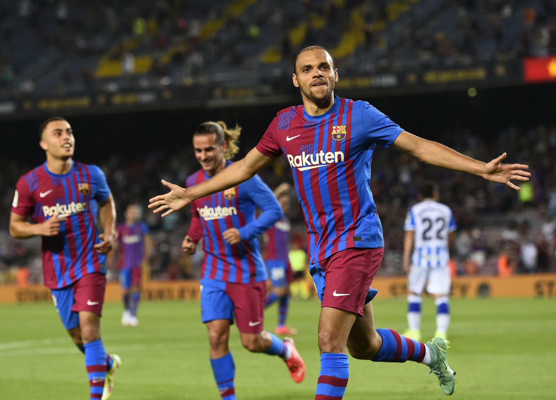 L'attaquant danois de Barcelone Martin Braithwaite célèbre son 2e but marqué contre la Real Sociedad, lors de leur match de Liga, le 15 août 2021 au Camp Nou