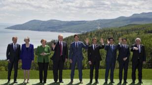 زعماء مجموعة السبع في صورة جماعية خلال قمتهم في كندا.