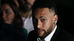 La plainte contre Neymar a été classée sans suite, a annoncé le tribunal de Sao Paulo vendredi8août.