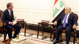 Ashton Carter, secrétaire américain à la Défense s'entretenant avec le Premier ministre irakien, Haïdar al-Abadi, le 22 octobre à Bagdad.