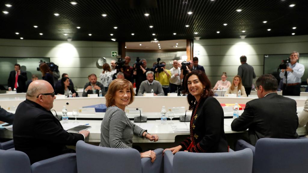 Reunión el pasado 5 de noviembre, con la participación de la secretaria de Estado de Empleo, Yolanda Valdeolivas, junto a la presidenta del Consejo Superior de Deportes (CSD), María José Rienda, con el objetivo de encontrar una solución a la huelga del fútbol femenino.