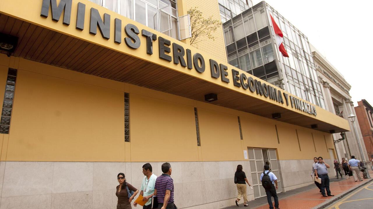 La Política Nacional de Competitividad y Productividad fue emitida desde el Ministerio de Economía.