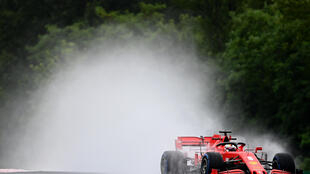 Vettel makes a spalsh in second practice