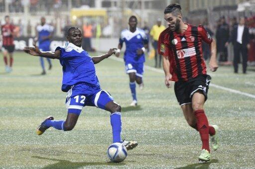 لاعب اتحاد الجزائر محمد أمين عودية (يمين) في 3 تشرين الأول/اأكتوبر 2015