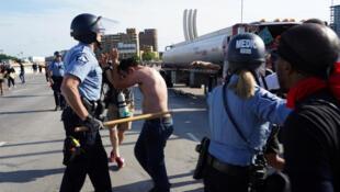 w980-p16x9-MINNEAPOLIS-POLICE-PROTESTS
