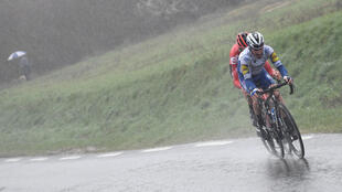 In the last major stage race in Europe, the Paris-Nice in February, Tiesj Benoot and Julian Alaphilippe raced in wintry conditions
