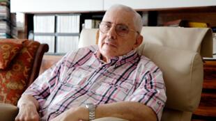Mario Rapoport es profesor emérito de la Universidad de Buenos Aires y del Instituto del Servicio Exterior de la Nación, donde enseña historia económica e historia de las relaciones internacionales.