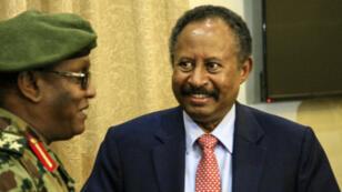 Abdallah Hamdok, le nouveau Premier ministre soudanais, après avoir prêté serment, à Khartoum, le 21août2019.